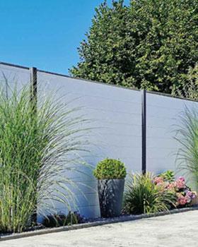 Sichtschutzzaun aus hochwertigen Fenster-Kunststoff PVC