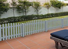 Gartenzaun aus Kunststoff online kaufen | Sichtschutzzaun ...