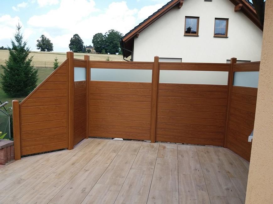 Sichtschutz Pvc In Holzoptik Auf Terrasse
