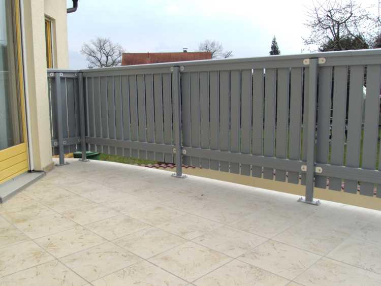 Fabulous Silbergrau (Profile) : Balkonbrett Kunststoff Silbergrau XM72